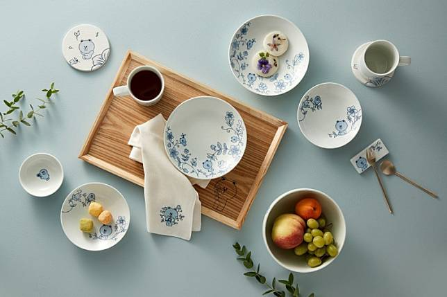 Ceramics maker Kwangjuyo's latest tableware collection jointly created with character brand company Line Friends.