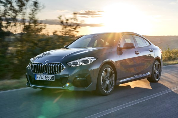 P90370547_highRes_the-all-new-bmw-2-se.jpg