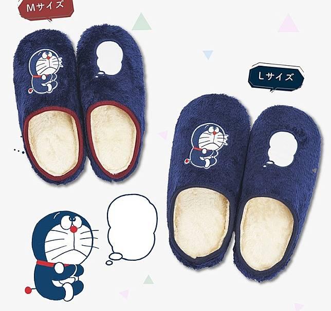 拖鞋有分M及L,跟襪子合售。(互聯網)