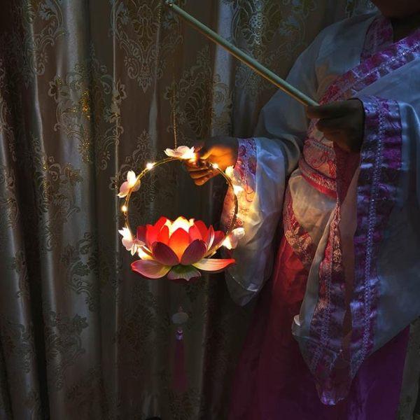 新款手提蓮花燈漢服舞蹈道具荷花古風燈籠中國風旗袍攝影古裝蓮燈