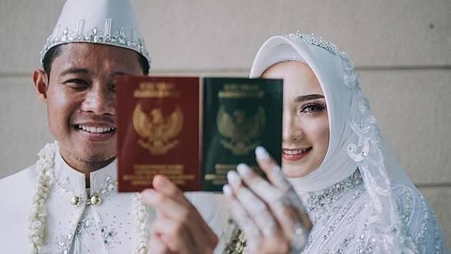 Resmi Jadi Suami Istri, Ini 6 Momen Pernikahan Evan Dimas dan Dewi Zahra