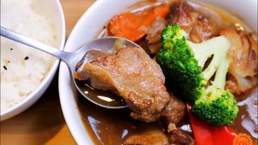 台中西屯美食│寵物友善餐廳:咖萃 cafe' con leche咖萃咖啡廚房