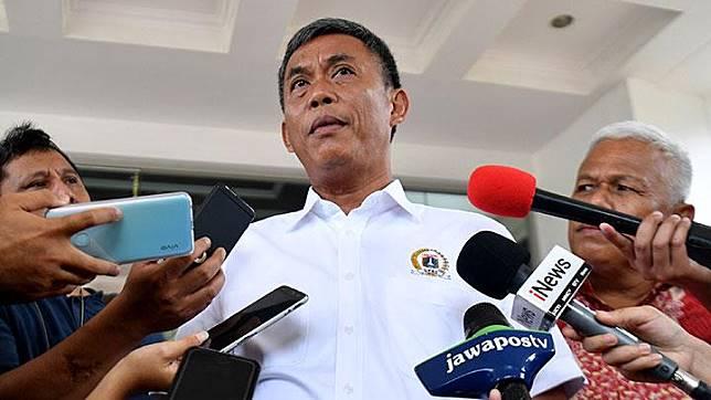 Jakarta Legislative Council Speaker Prasetyo Edi Marsudi answers questions from the media at the State Secretary headquarters on Thursday, February 13, 2020. ANTARA/Sigid Kurniawan
