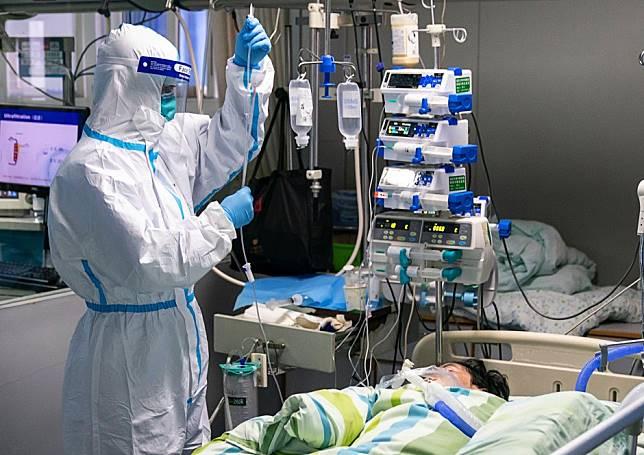 Doctors warn China coronavirus carriers may show no symptoms of illness