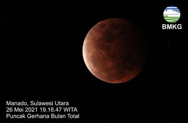 Gerhana bulan total. (Twitter/@infoBMKG)