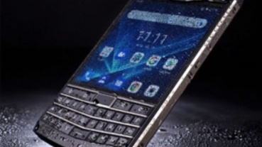 三防 + QWERTY 鍵盤!Unihertz Titan 向經典 BlackBerry 致敬