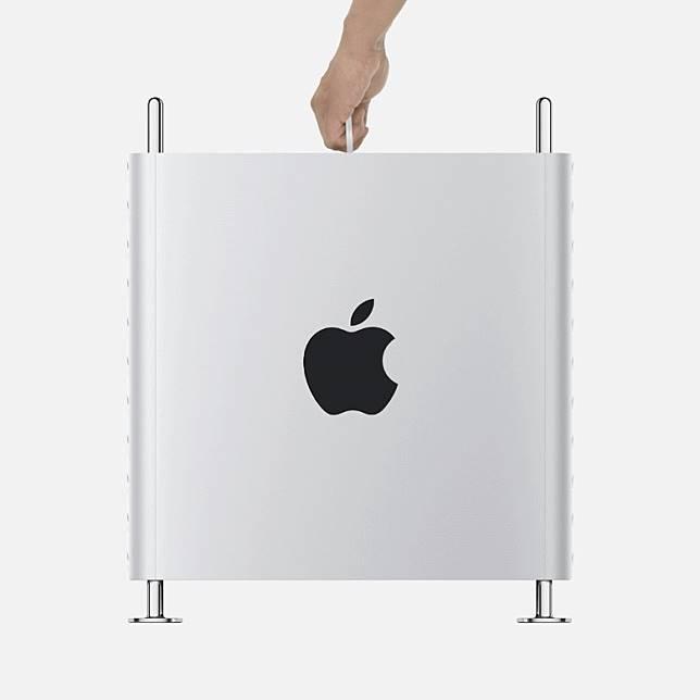 Mac Pro的鋁金屬機身可以掀除,以便360度全方位檢視系統。(互聯網)