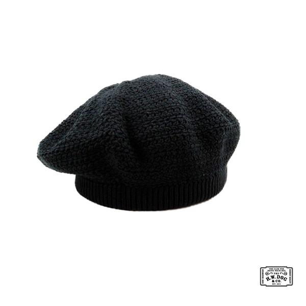 H.W.DOG&CO. KCB Knit Beret貝雷帽採用混棉面料針鋒相對而成以經典愛爾蘭艾倫漁人毛衣工藝完成螺旋設計刻意加大帽體可自行調整角度提升臉部比例訂價$3300元(26.5CM)附190
