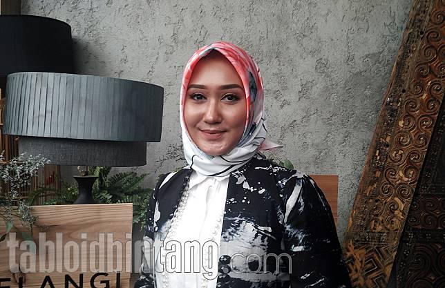 Cara Membedakan Hijab Voal Asli dan Palsu, Menurut Dian Pelangi