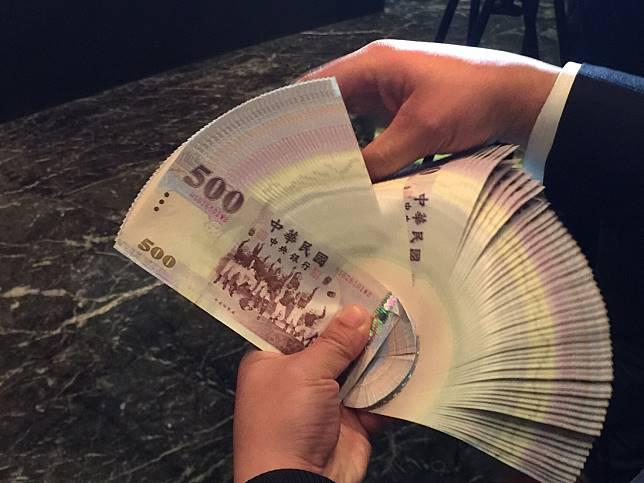 ▲新台幣兌美元2019年1月7日早盤升破30.8元。(圖/NOWnews資料照)