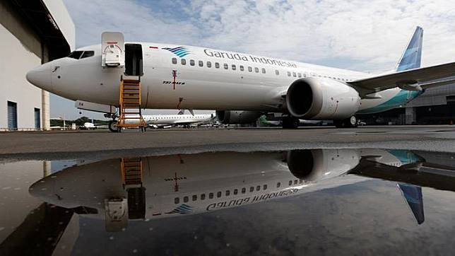 Garuda Indonesia's Boeing 737 Max 8 airplane is seen as it parked at the Garuda Maintenance Facility AeroAsia, at Soekarno-Hatta International airport near Jakarta, Indonesia, March 13, 2019. REUTERS/Willy Kurniawan