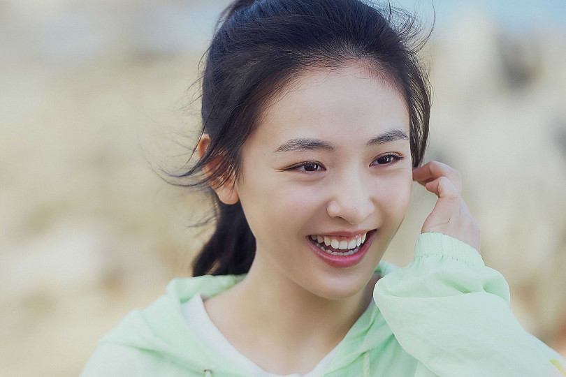 吳倩飾演速滑少女棠雪。(圖/LINE TV)