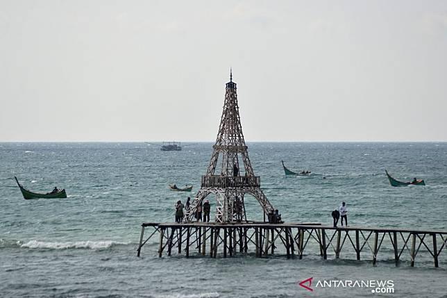 Meski Sudah Ada Imbauan Tutup Pantai Wisata Di Aceh Besar Masih Dibuka Antaranews Com Line Today