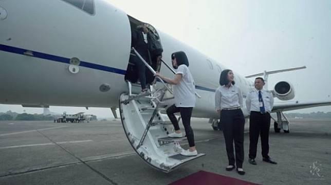 Syahrini Liburan Keluarga dengan Jet Pribadi (youtube.com/The Princess Syahrini)