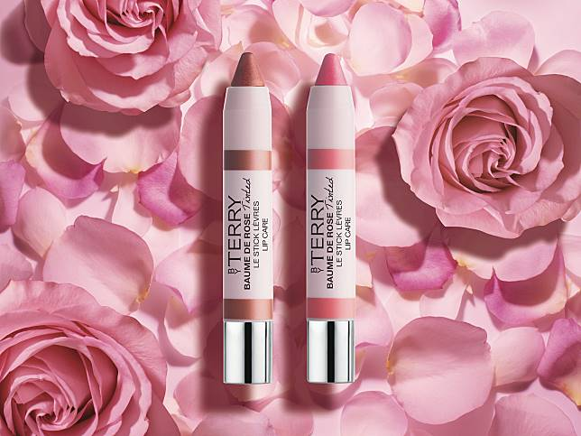 Glow in rose系列還有同樣帶閃就效果的潤唇膏($350)。
