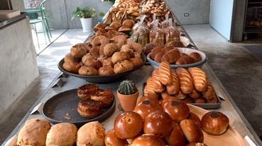 屏東有什麼美食?不在鬧區的原住民知名美食、爆紅厚片吐司,最美麵包店、教父級乳酪蛋糕都在這!