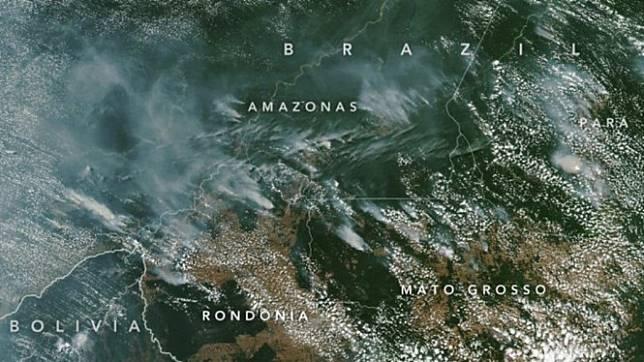 Kebakaran hutan Amazon