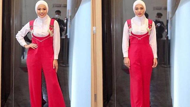 Potret terbaru Aurel Hermansyah kenakan hijab.