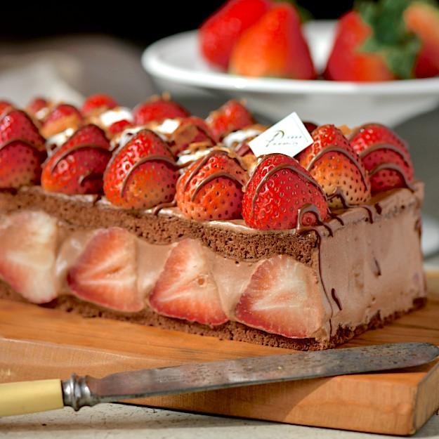 【食感旅程Palatability】千千直播推薦!!北海道雪藏草莓蛋糕 新鮮大湖草莓 X 70%巧克力 X 巧克力戚風蛋糕巧克力戚風蛋糕 以及 大湖草莓 的完美搭配,嚴選食材:大湖農場直送草莓法國頂級