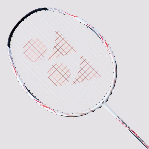偉勁國際體育,從店⾯起步,提供的服務從基本商品販售、穿線諮詢、辦理賽事,具有職業穿線能⼒,具有認證裁判⼈⼒,具有豐富的教練圈,是⼀間店,是⼀個網球的多元介⾯,是⼀個複合平台,希冀創造出更多網球的美好體
