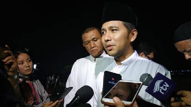 Wakil Gubernur Jawa Timur Emil Elestianto Dardak turut menunggu kedatangan jenazah Ani Yudhoyono di Lanud Halim Perdanakusuma, Jakarta, Sabtu malam, 1 Juni 2019. TEMPO/Budiarti Utami Putri.