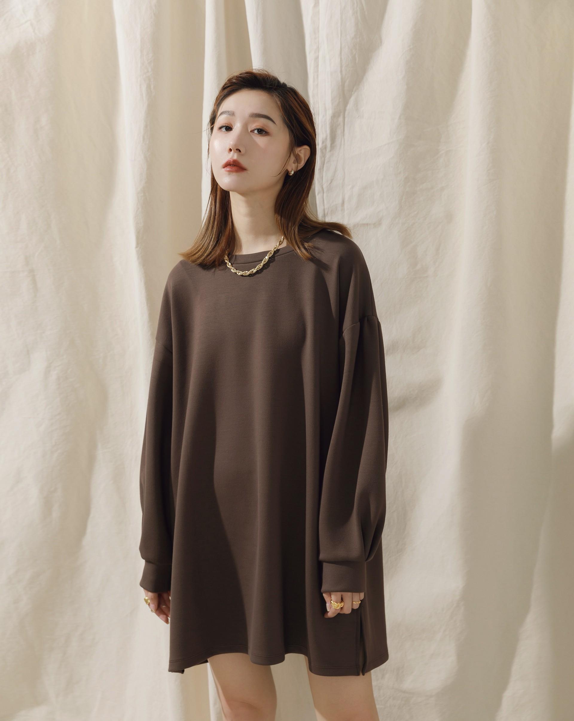 袖子特殊打褶設計/布料親膚版型寬鬆舒適