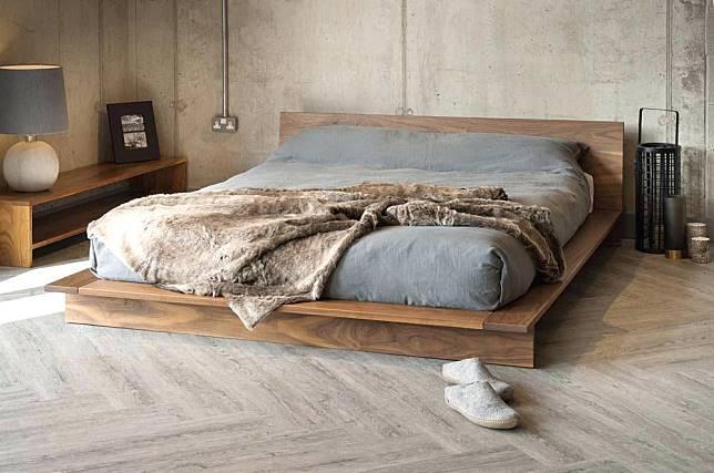Kamar Tidur Jepang Sederhana  terapkan konsep less is more di kamar tidur dengan 6 dipan