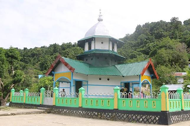 Masjid Patimburak di Distrik Kokas, Kabupaten Fakfak, Papua Barat, menjadi bukti fisik adanya toleransi di Papua. FOTO/DOK Balai Arkeologi Papua