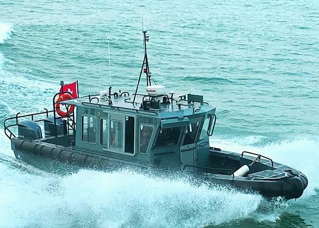海關淺水巡邏艇懷疑失事翻沉。