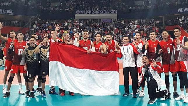 Tim voli putra Indonesia melakukan selebrasi setelah meraih emas SEA Games 2019 Filipina di Philsports Arena, Metro Manila, Selasa, 10 Desember 2019. ANTARA/HO/Tim CdM Indonesia