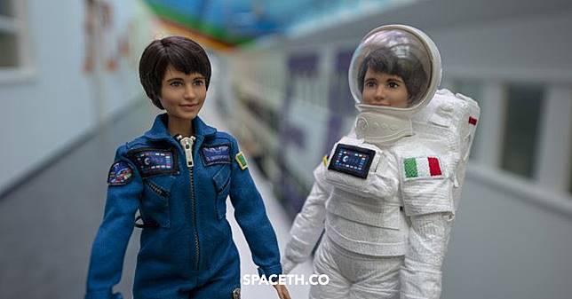 ตุ๊กตา Barbie นักบินอวกาศ เพราะผู้หญิงไม่ใช่แค่ต้องรอเจ้าชาย