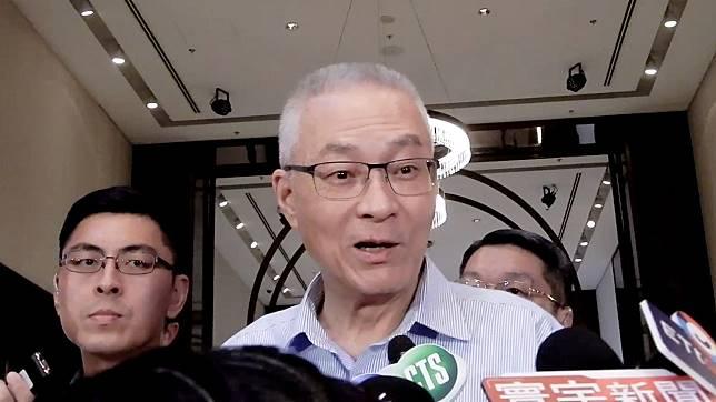 郭王柯三人23日公開見面,國民黨主席吳敦義表示,三人沒有談政治,「我覺得他們是很有智慧的人」。(圖 / 記者陳弘志攝)