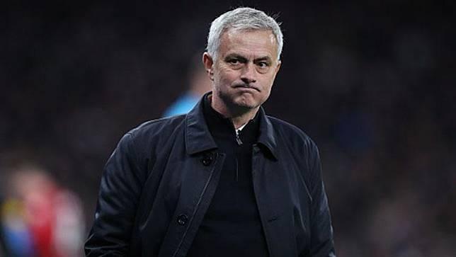 Mourinho Ejek Mantan Anak Asuhnya