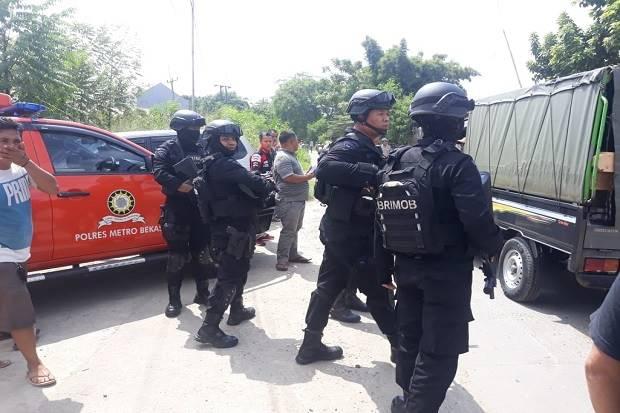 Polisi Indonesia: Bom Terkait 22 Mei Bisa Diledakkan via Wi-Fi