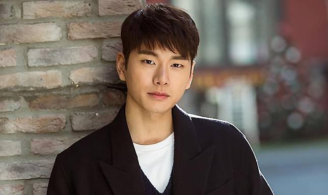 lee-yi-kyung