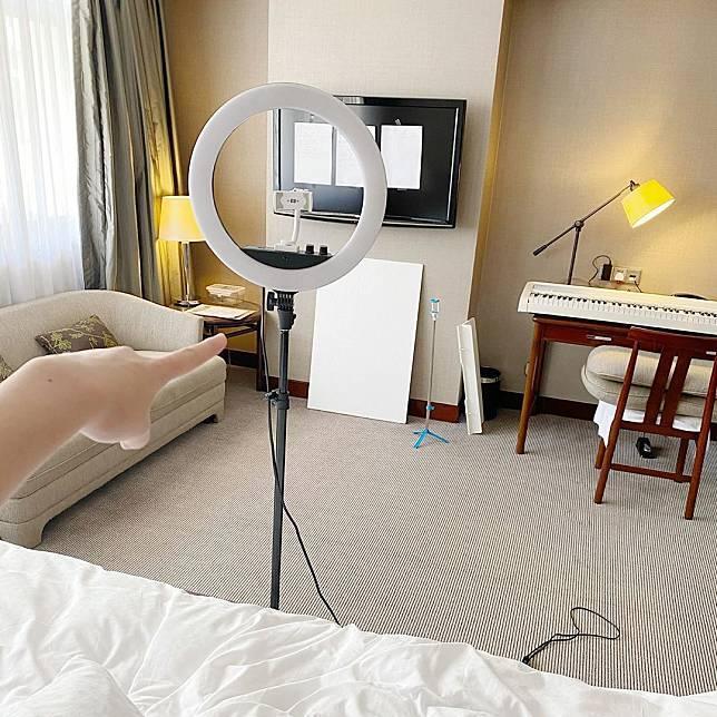 崔碧珈將酒店打造成小型Studio。