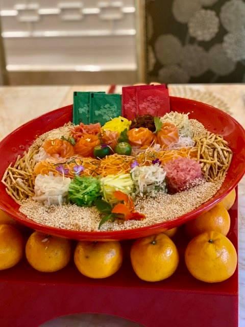 5 Hotel Yang Sajikan Yee Sang Untuk Makan Malam Imlek 2020