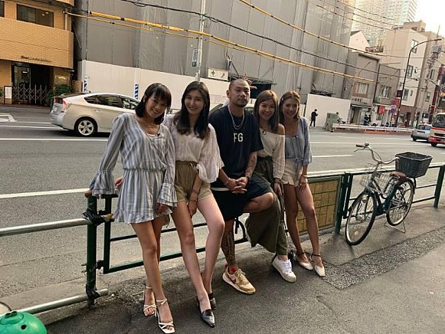 金剛一拖四到東京拍攝節目。