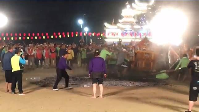 圖/翻攝自鹽埕北極殿臭豆腐臉書