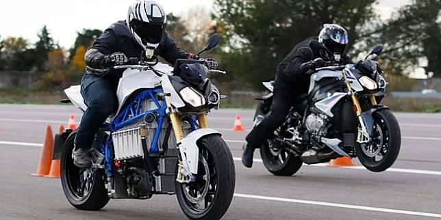 Prototype BMW E-Power Roadster (Electrek.co)
