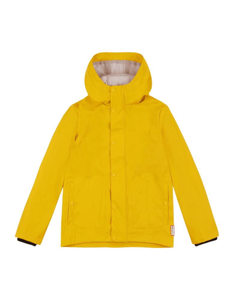 Diese gummierte Jacke für Kinder ist wasserdicht, ohne ein hohes Gewicht zu haben - eine spaßige, pr