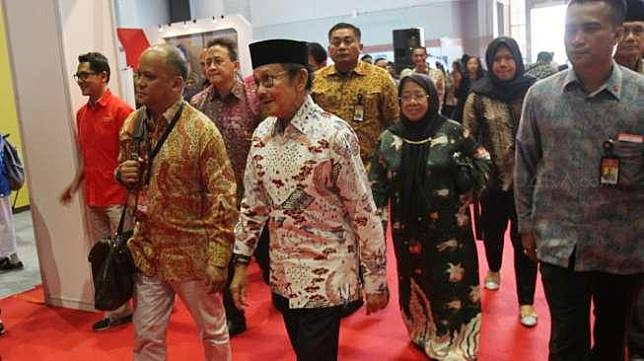 Presiden ketiga RI, Bacharuddin Jusuf Habibie, saat menghadiri kegiatan Habibie Festival 2017 yang digelar Badan Ekonomi Kreatif (Bekraf) di JIExpo Kemayoran, Jakarta, Senin (7/8/2017). [Suara.com/Oke Atmaja]