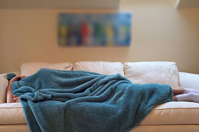 ▲寒冷的冬天到來,窩在棉被裡成為大家最幸福的時光。(圖/ Pxhere )