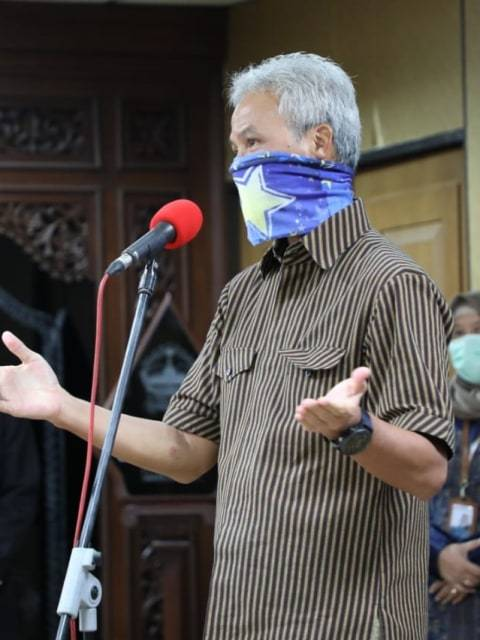 Ganjar Bantah Izinkan Salat Id di Masjid: Ikuti MUI, Saya Juga Salat di Rumah
