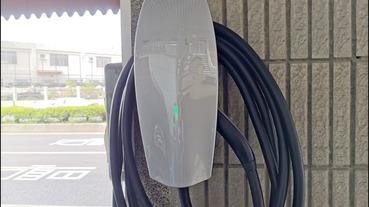充電樁沒放在室內的防護備案 特斯拉充電樁保護箱 開箱