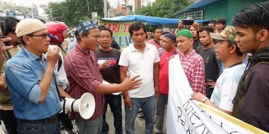 Warga Medan marah ada demo tolak pemakaman jenazah terduga teroris. ©2019 Merdeka.com