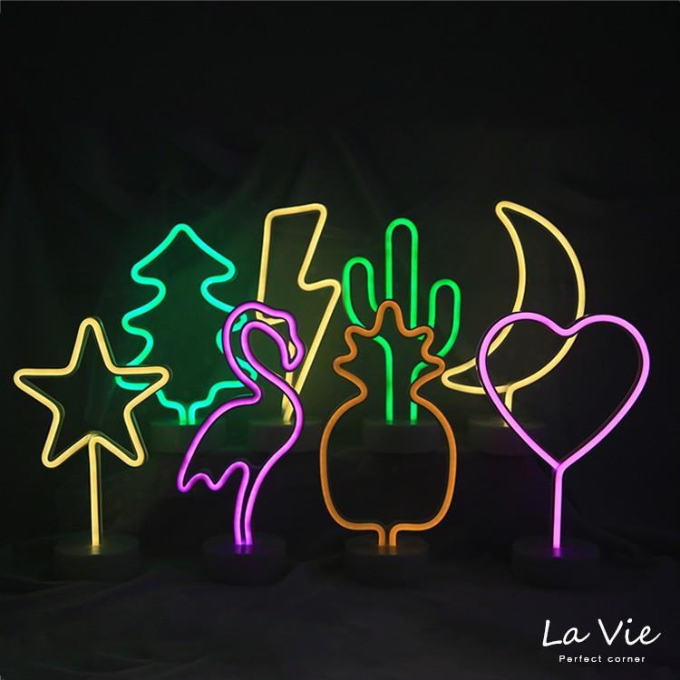 【商品特色】 時髦可愛的紅鶴 歐美流行 情境燈 拍照擺設 都好看 燈管冷光源發光 亮度高 可拆卸底座 底座燈可分開 USB與3號電池兩用 【商品規格】 款式:星星(黃光),閃電(黃光),月亮(黃光),