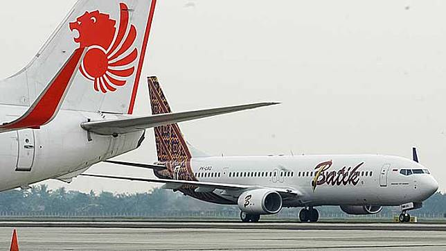Pesawat Batik Air dan Lion Air. TEMPO/Imam Sukamto