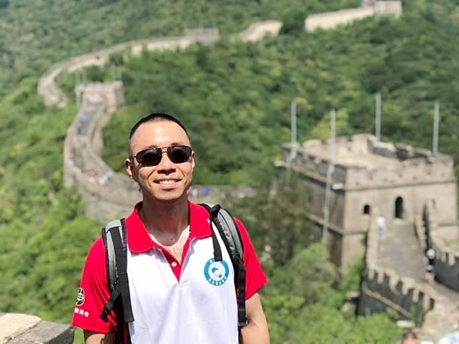 陳岳鵬去咗北京,登上長城。(互聯網)