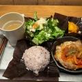 DIYプレート チキン - 実際訪問したユーザーが直接撮影して投稿した西新宿サラダ専門店D.I.Y. SALAD & DELICATESSENの写真のメニュー情報